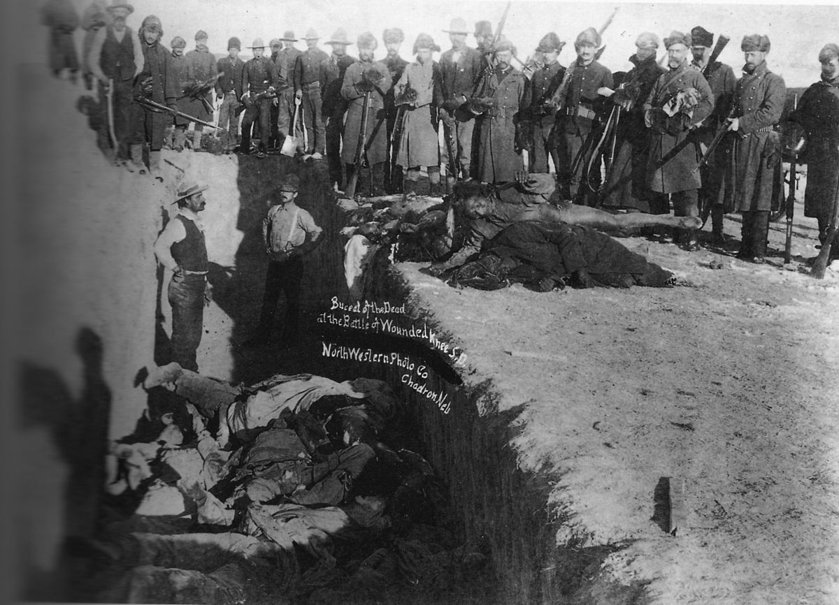 1200px Woundedknee1891